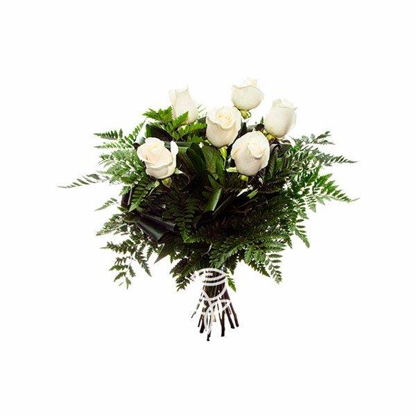 ramo de 6 rosas blancas ecuatorianas