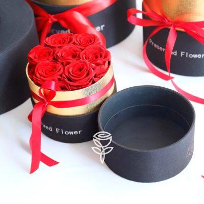 Caja Redonda de Rosas Rojas Preservadas