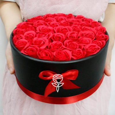 Caja Redonda de Rosas Rojas de Jabón